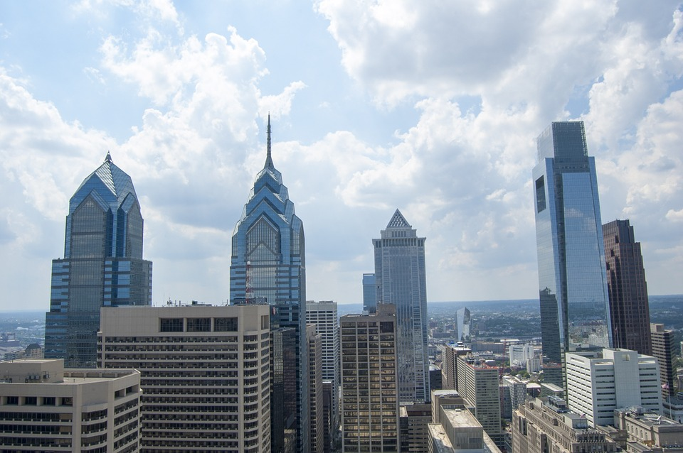 Philadelphia's city skyline and buildings in the daylight